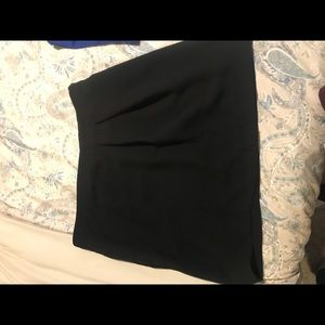 Black zip up skirt with pockets